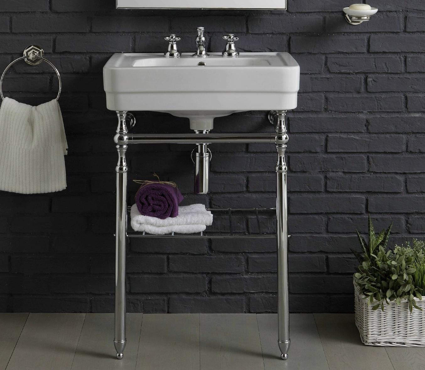 Washbasin In Art Deco Stile On A Metal Frame Affaire D Eau