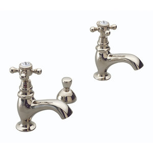 Set faucets hot & cold