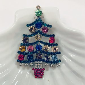 Christmas pin with baubles