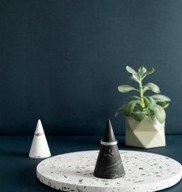 House Racoon House Raccoon - Kiona Ring cone - Black marble