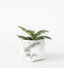 House Racoon House Raccoon - Palua planter - Large - White Marble