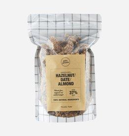 Nicolas Vahé Nicolas Vahé - Granola w. Hazelnuts, dates an almond