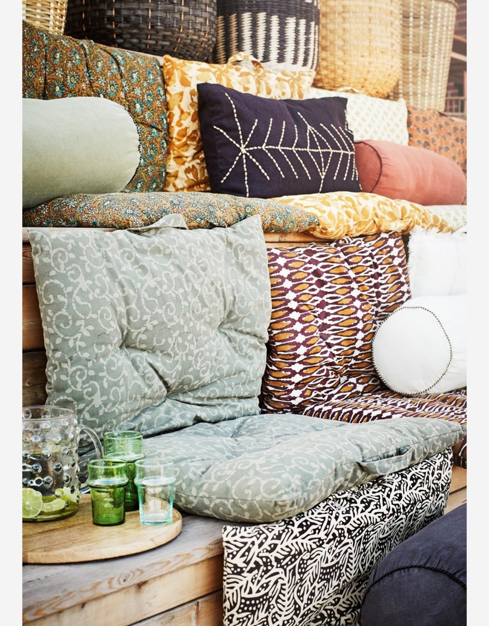 Madam Stoltz Madam Stoltz - Linnen white bolster cushion