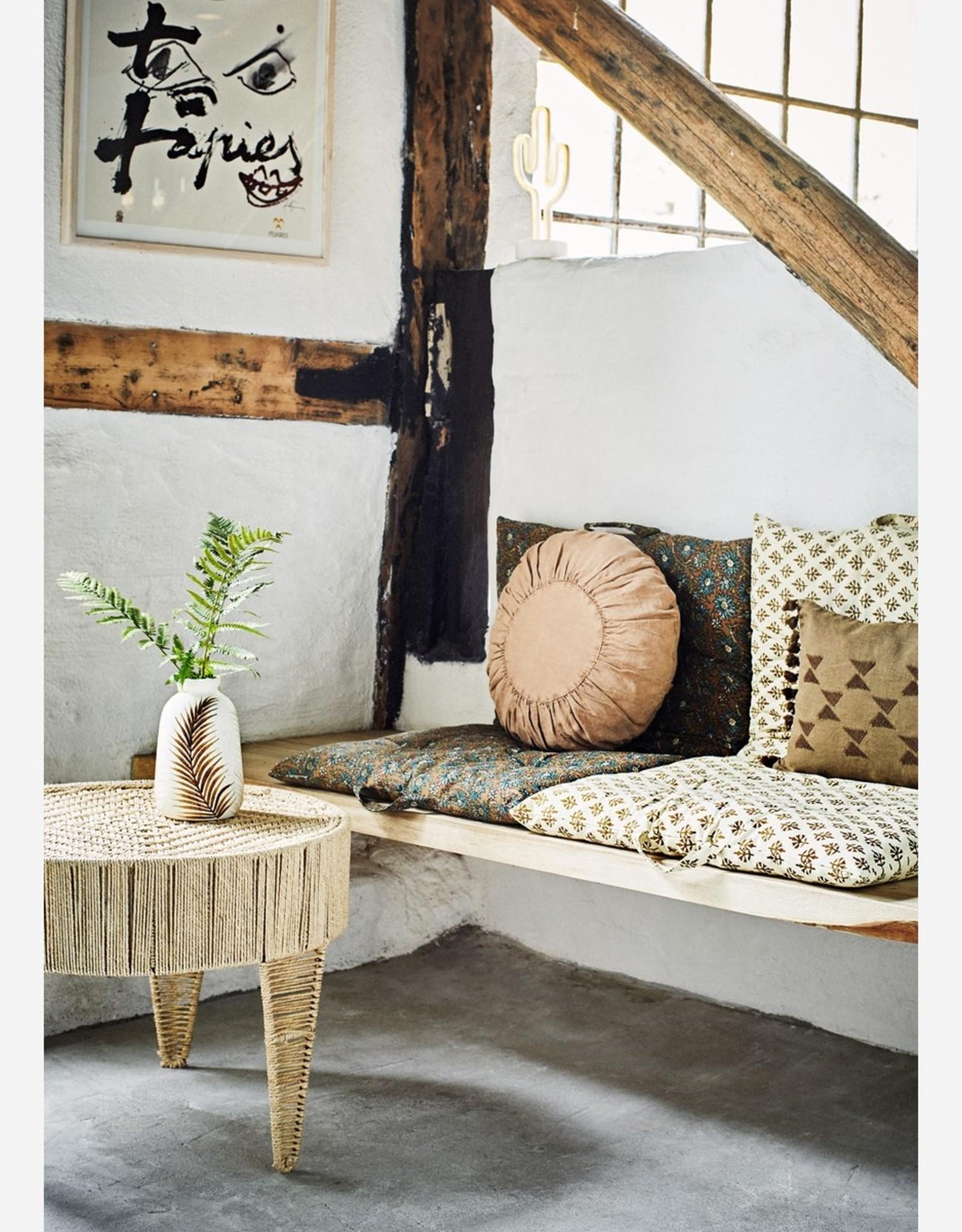 Madam Stoltz Madam Stoltz - round linnen cushion rose