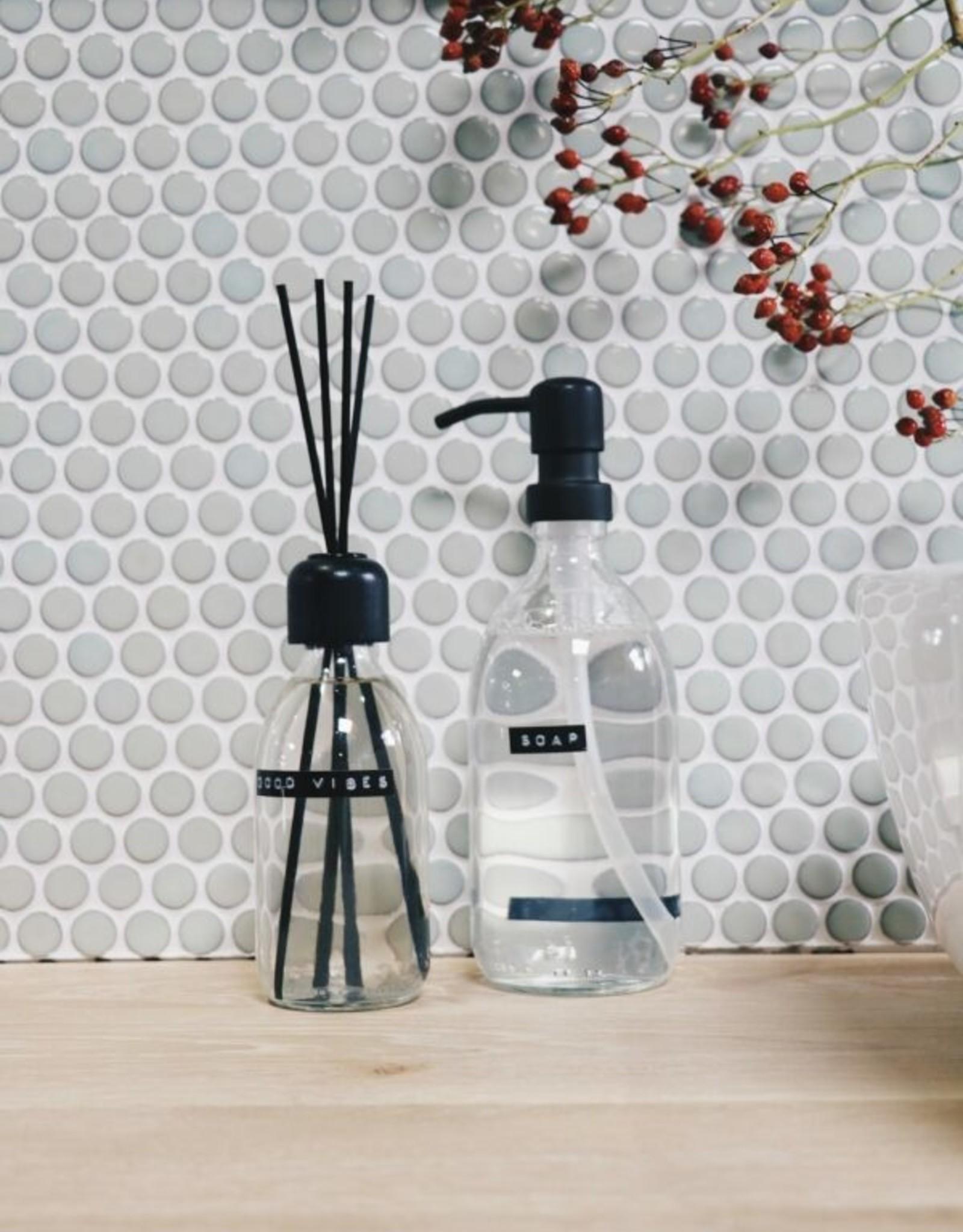 Wellmark Wellmark - Geurstokjes transparant glas 200 ml - good vibes