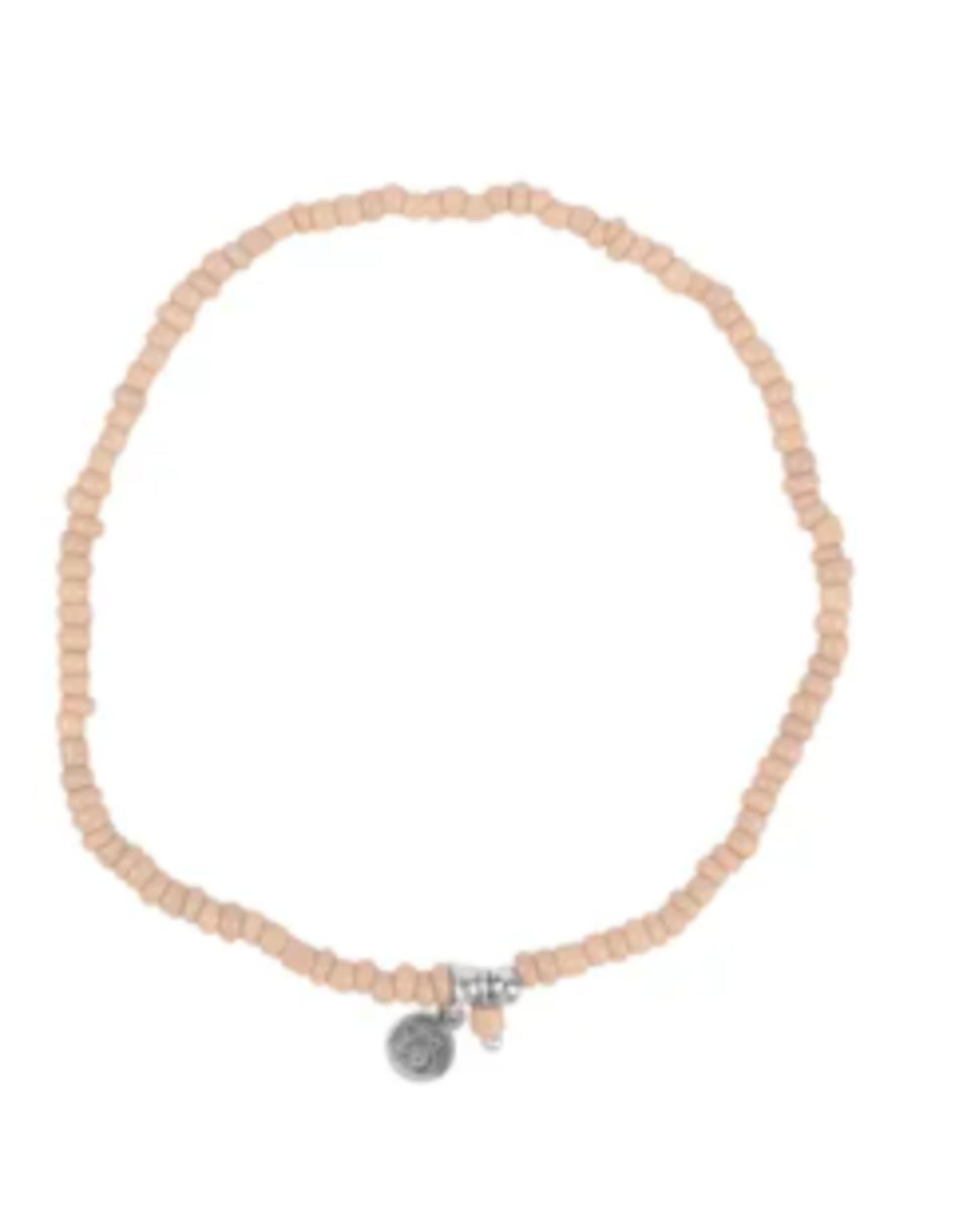 Zusss sss - Fijn kralenarmbandje zand/zilver