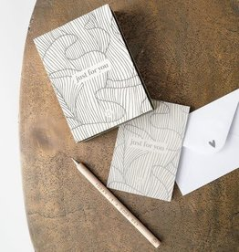Zusss Zusss - Box met 12 wenskaarten zand
