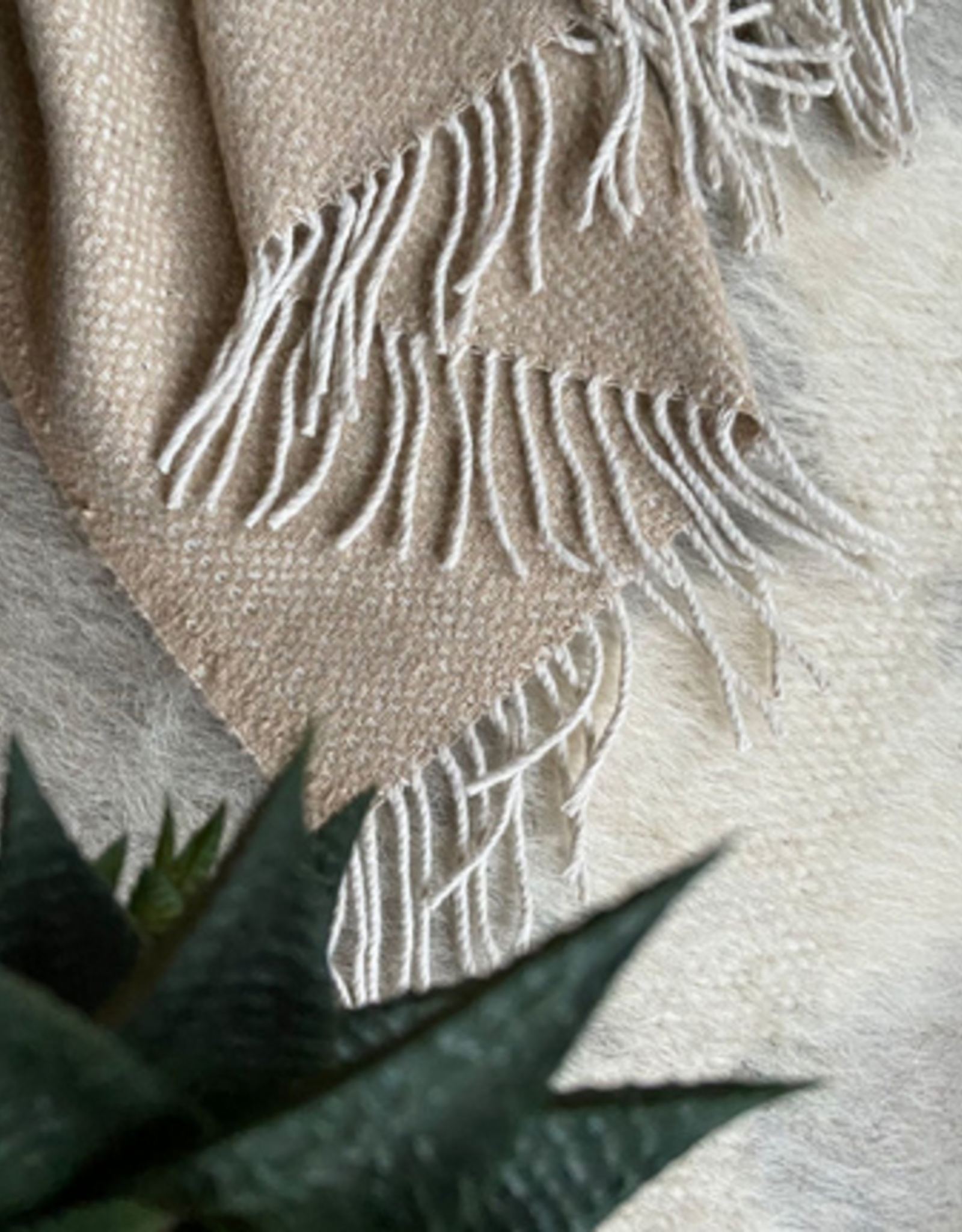 Malagoon Malagoon - Beige structure recycled wool throw