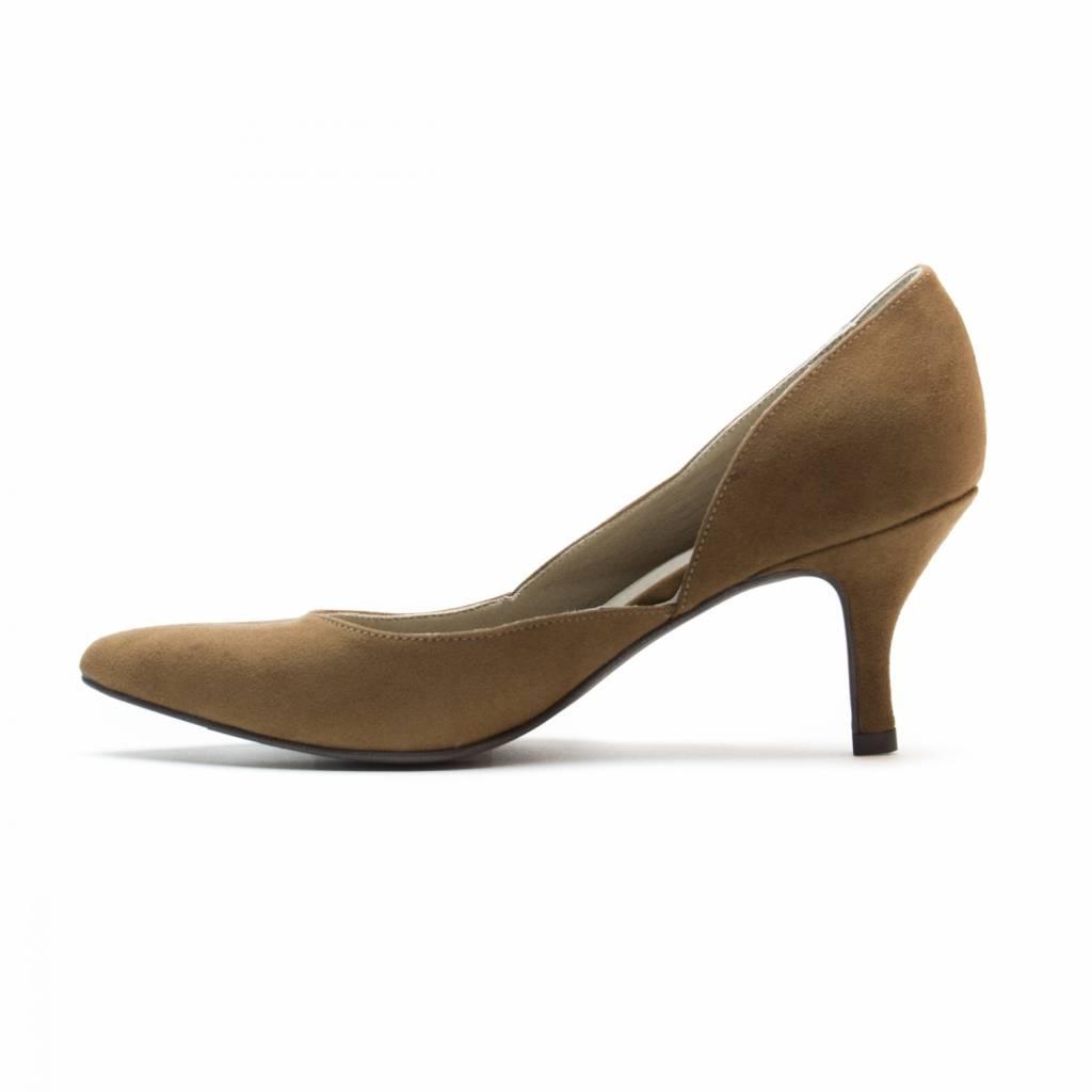 NAE vegan shoes Duurzame pump Nina bruin