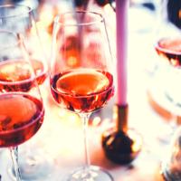 10  wijn weetjes om mee te imponeren tijdens het kerstdiner
