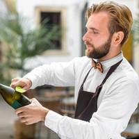 Champagne dé mousserende wijn voor een bruisende zomer