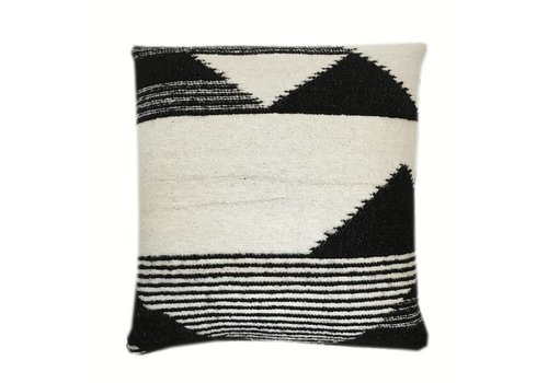 Nomad black cushion (15 Sep)
