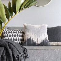 Wave knitted cushion anthracite (NEW)