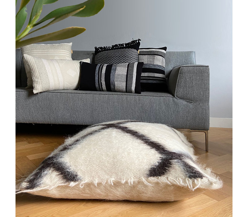Floor cushion 100% wool cross 90x90