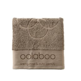 Medium embracing towel brown 570 gram 50x100 cm