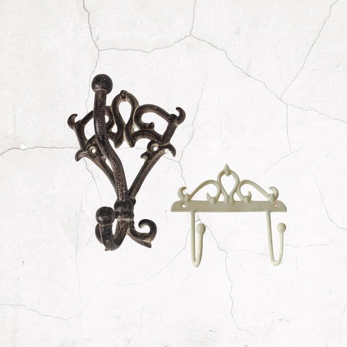 Hooks & Hangers