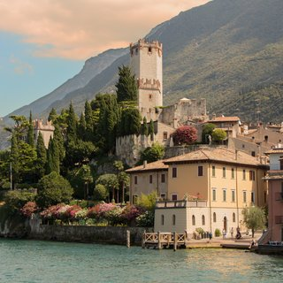 Self-adhesive photo wallpaper custom size - Lake Garda 4