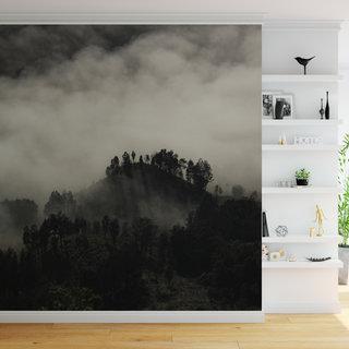 Selbstklebende Fototapete angepasst - Berge im Nebel