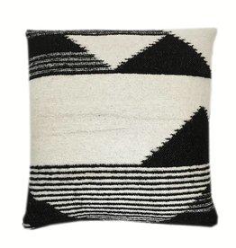 Nomad black cushion (Oct 10)