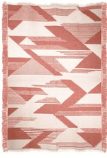 Nomad mahogany pink throw