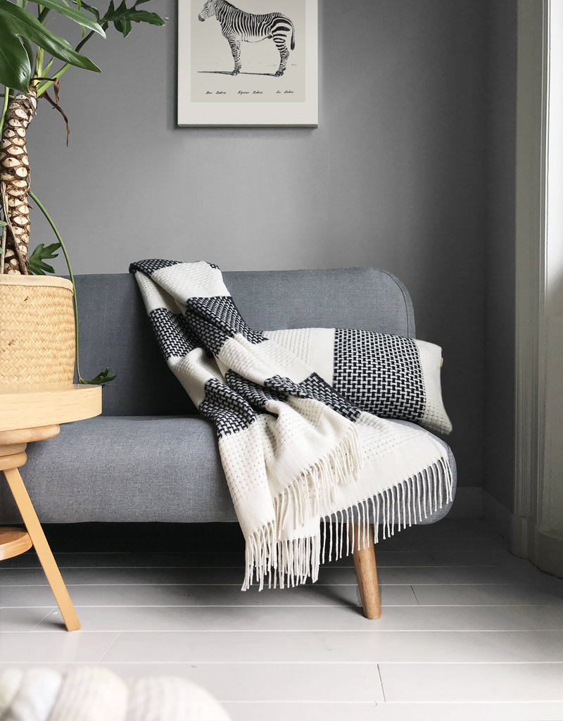 Rustic basket stripe throw offwhite (NEW)