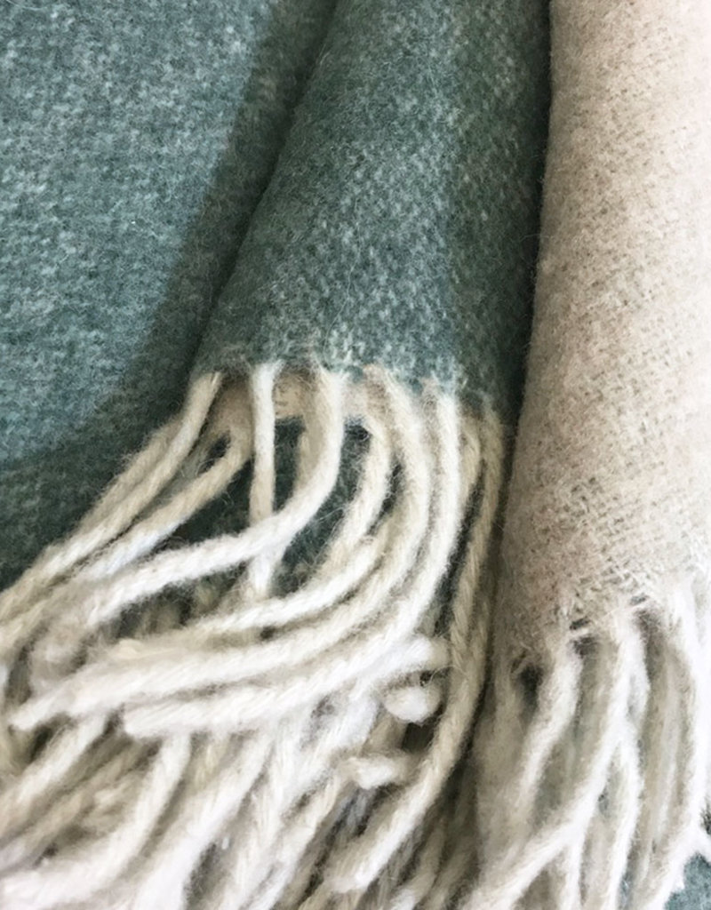 Easy green double face recycled wool throw (NEW) (15 Oct)