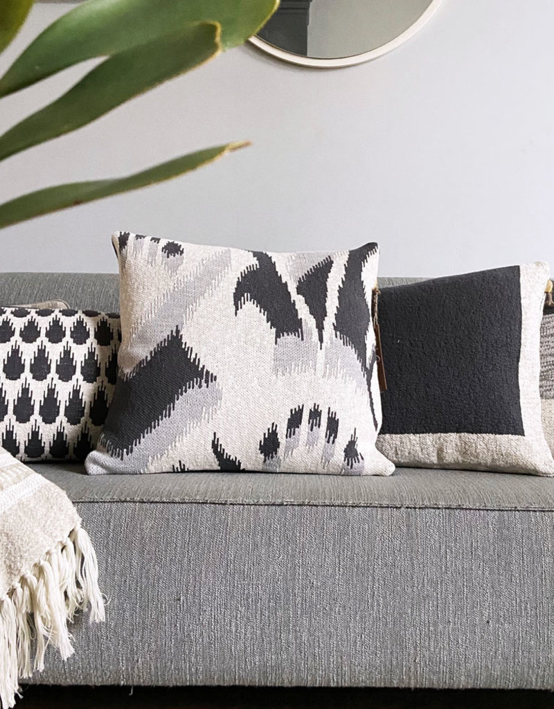 Ikat knitted cushion anthracite (NEW) (Oct 10)