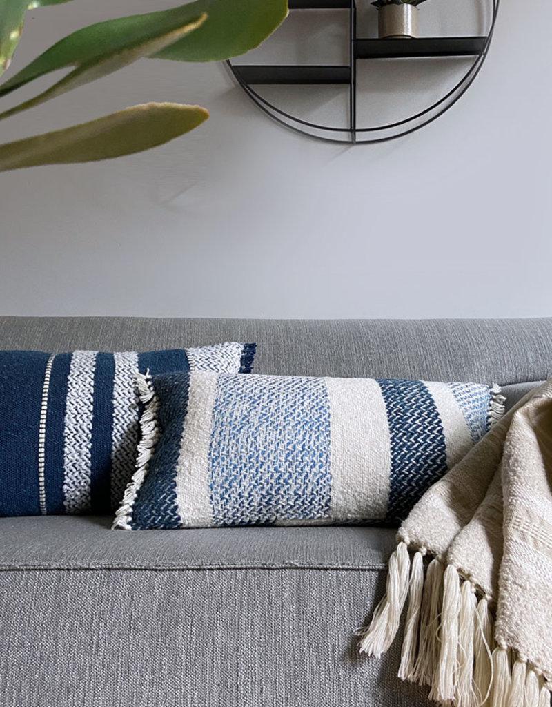 Berber grainy blue cushion