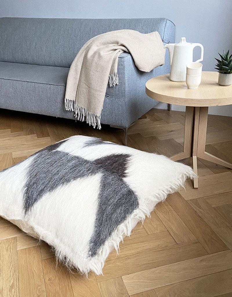 Floor cushion 100% wool zigzag 90x90