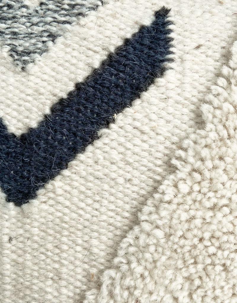 Wonder cushion ivory white