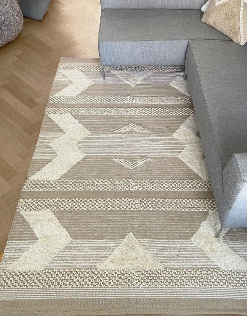 Treasure carpet ivory white