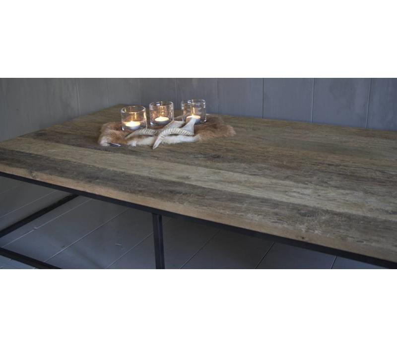 Salontafel oud eikenhout met ijzeren onderstel