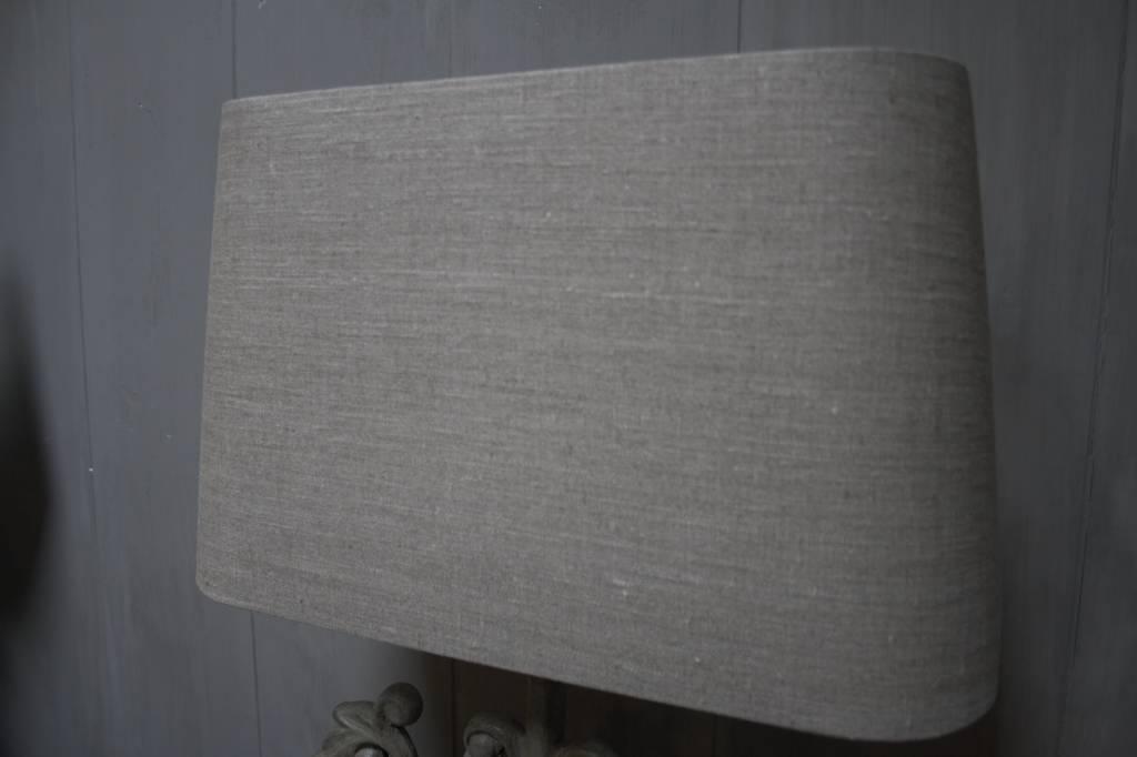 Staande ijzeren lamp met grijze linnen kap-7