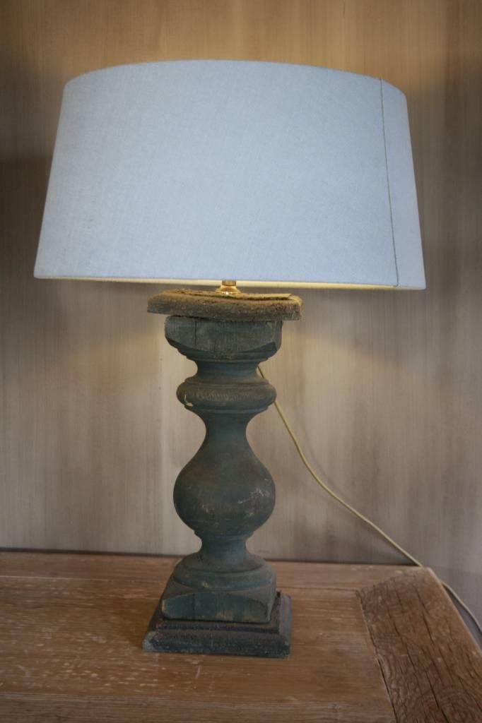 Oud houten tafellamp-1