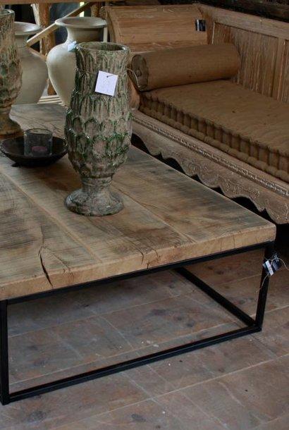Salontafel oud eikenhout met ijzeren onderstel 160 cm