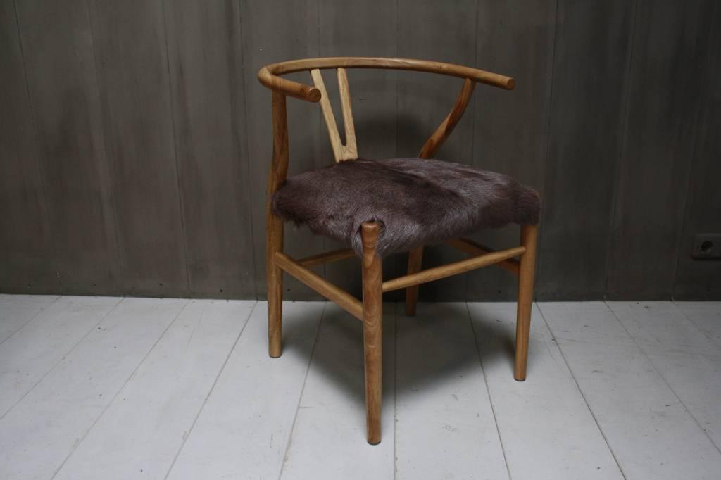 Houten stoel met geitenvacht Bruin-2