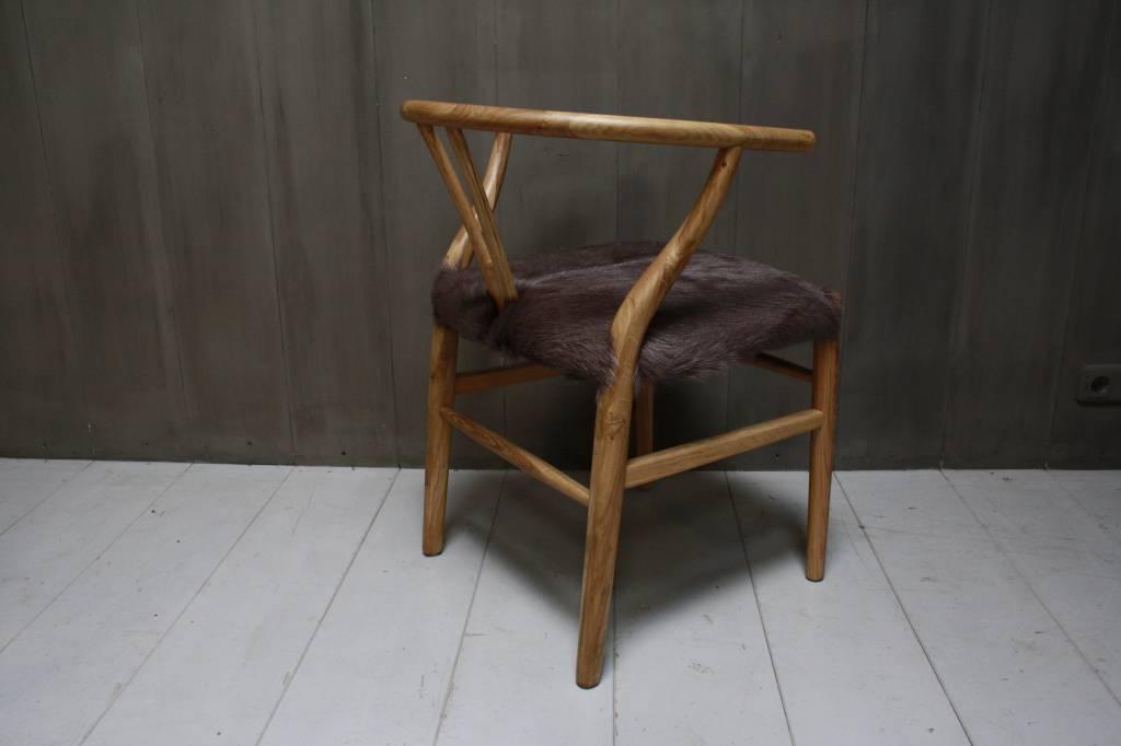 Houten stoel met geitenvacht Bruin-3