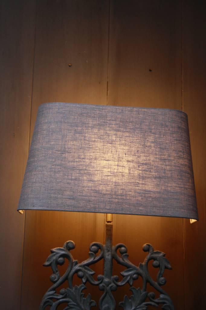 Staande ijzeren lamp met grijze linnen kap-4