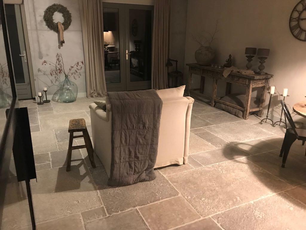 Wat kosten Castle Stones? Bricks, Dallen of Loft