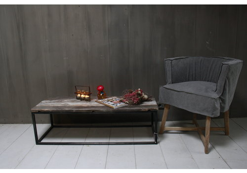 Salontafeltje oud donker eikenhout met ijzeren onderstel 112 cm