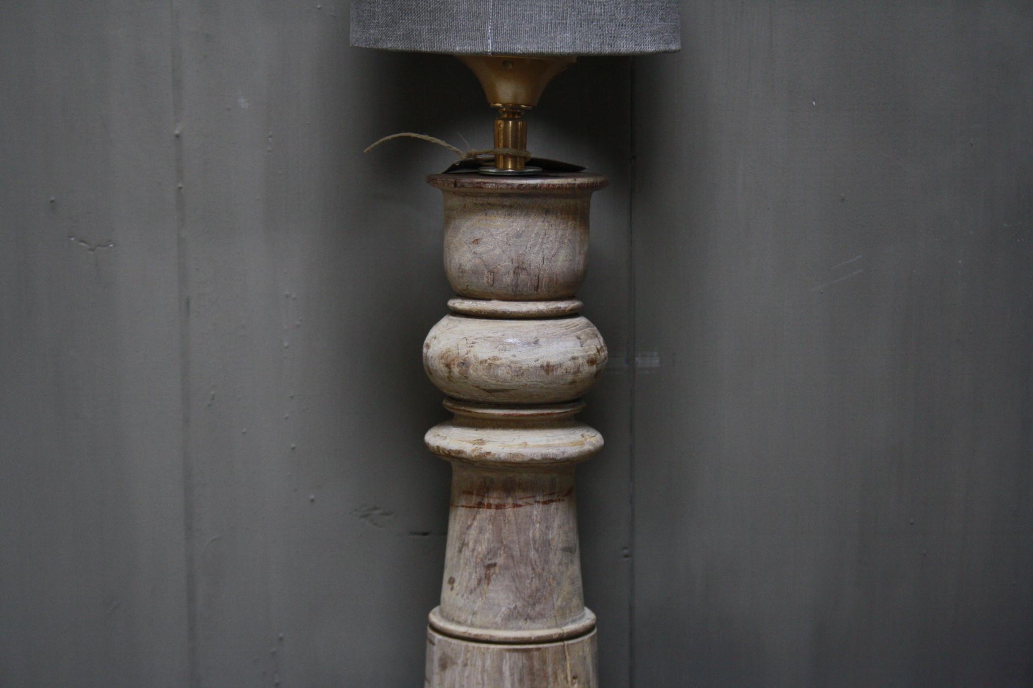 Aura peeperkorn oud houten baluster lamp 60 cm-4