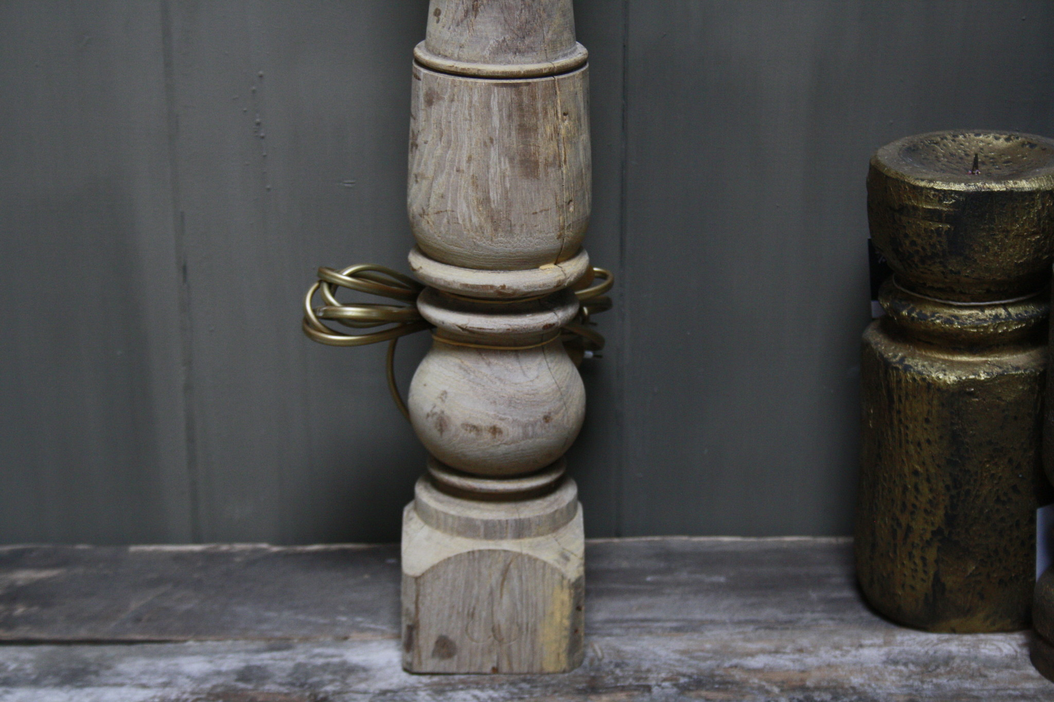 Aura peeperkorn oud houten baluster lamp 60 cm-5