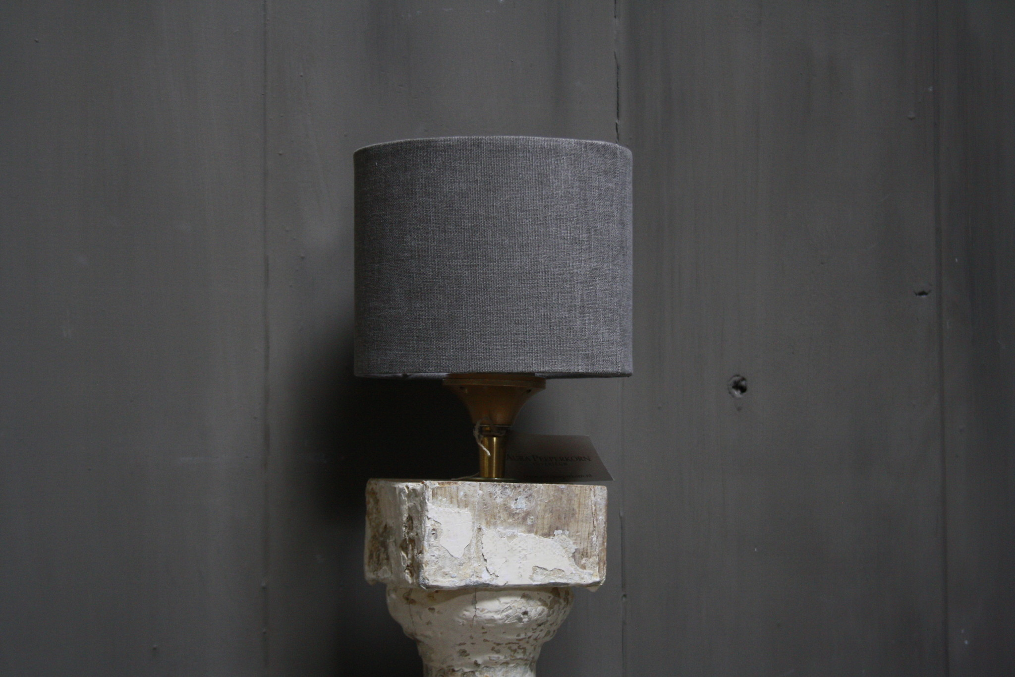 Aura peeperkorn oud houten baluster lamp white-4