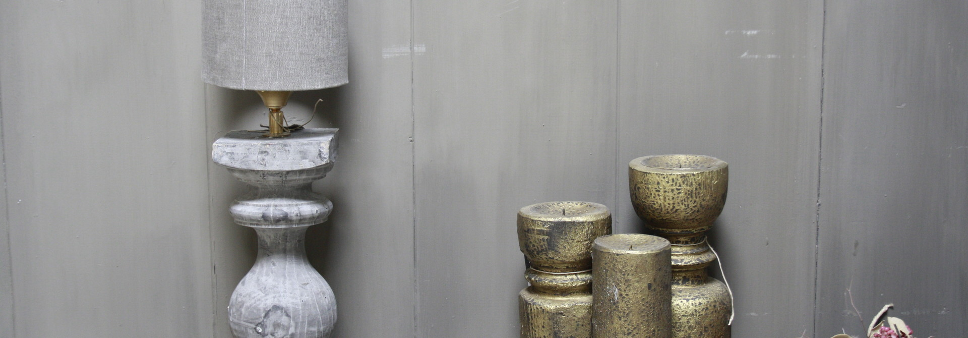 Aura peeperkorn grijs houten baluster lamp 42 cm
