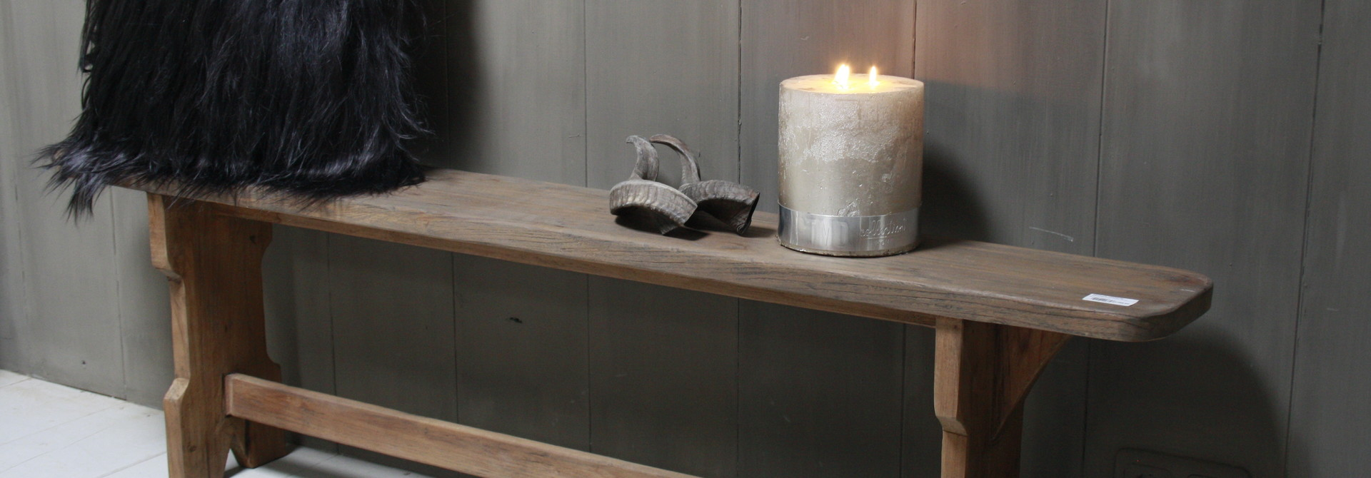 Een mooie sfeervolle houten of stoffen bank online kopen? Rene Houtman