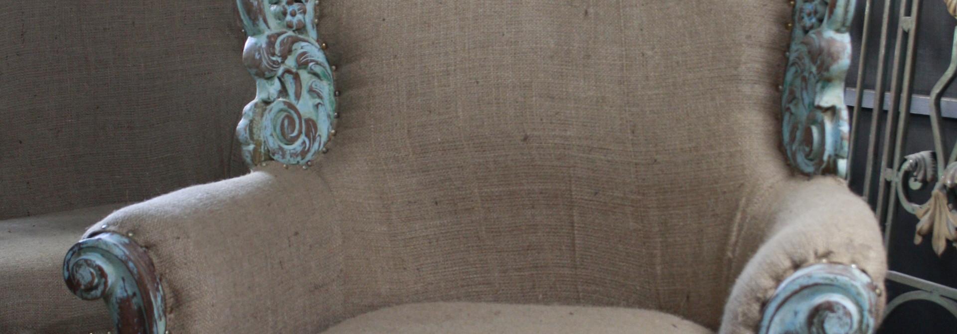 Fauteuil Ibiza stijl stof met houtsnijwerk