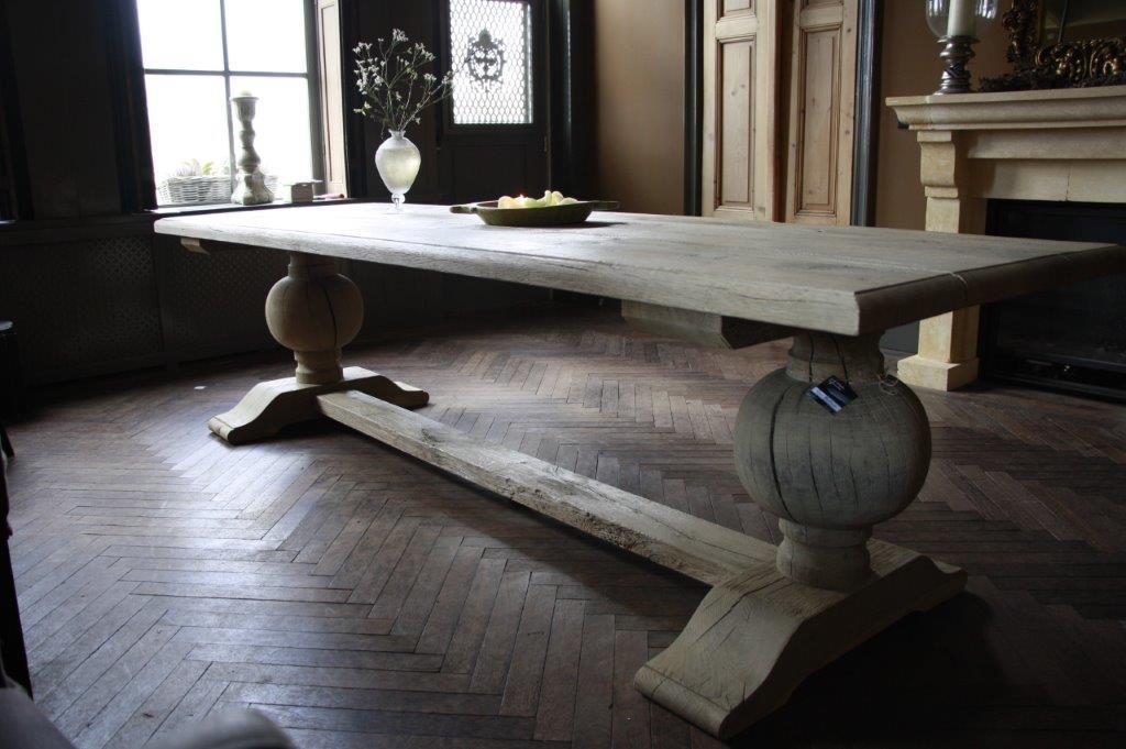 Eettafel oud eikenhout met bolpoot Tense 280 x 90 cm-1
