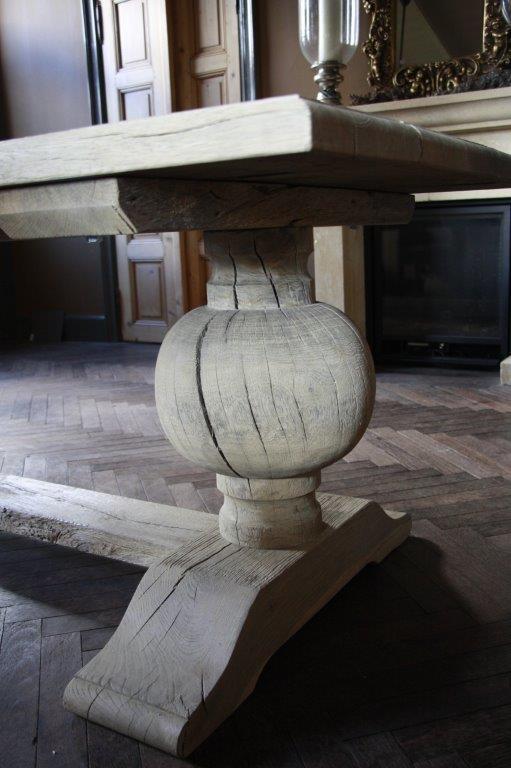 Eettafel oud eikenhout met bolpoot Tense 280 x 90 cm-2
