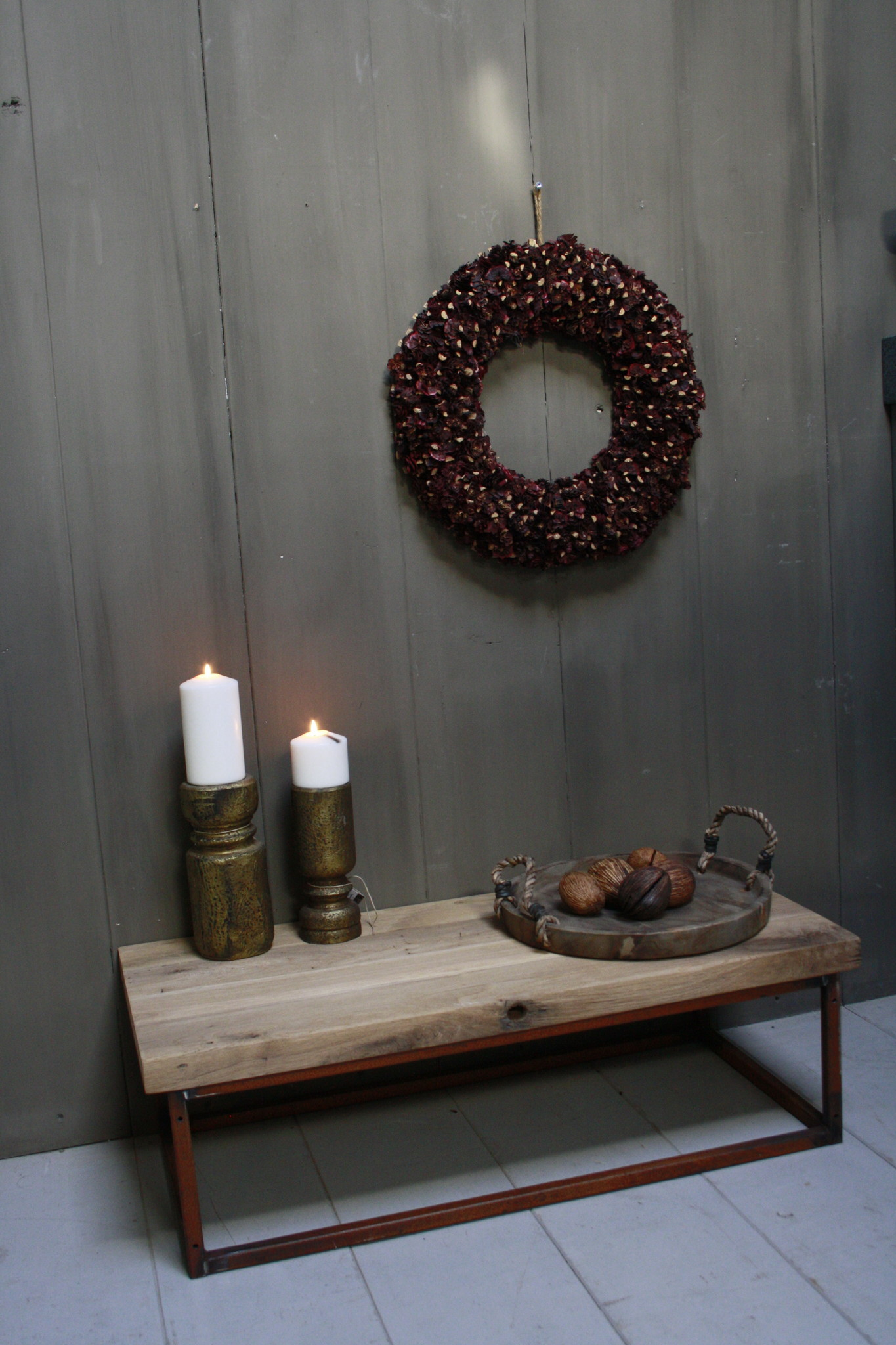 Eikenhouten salontafel met oud ijzeren onderstel 90 cm-1