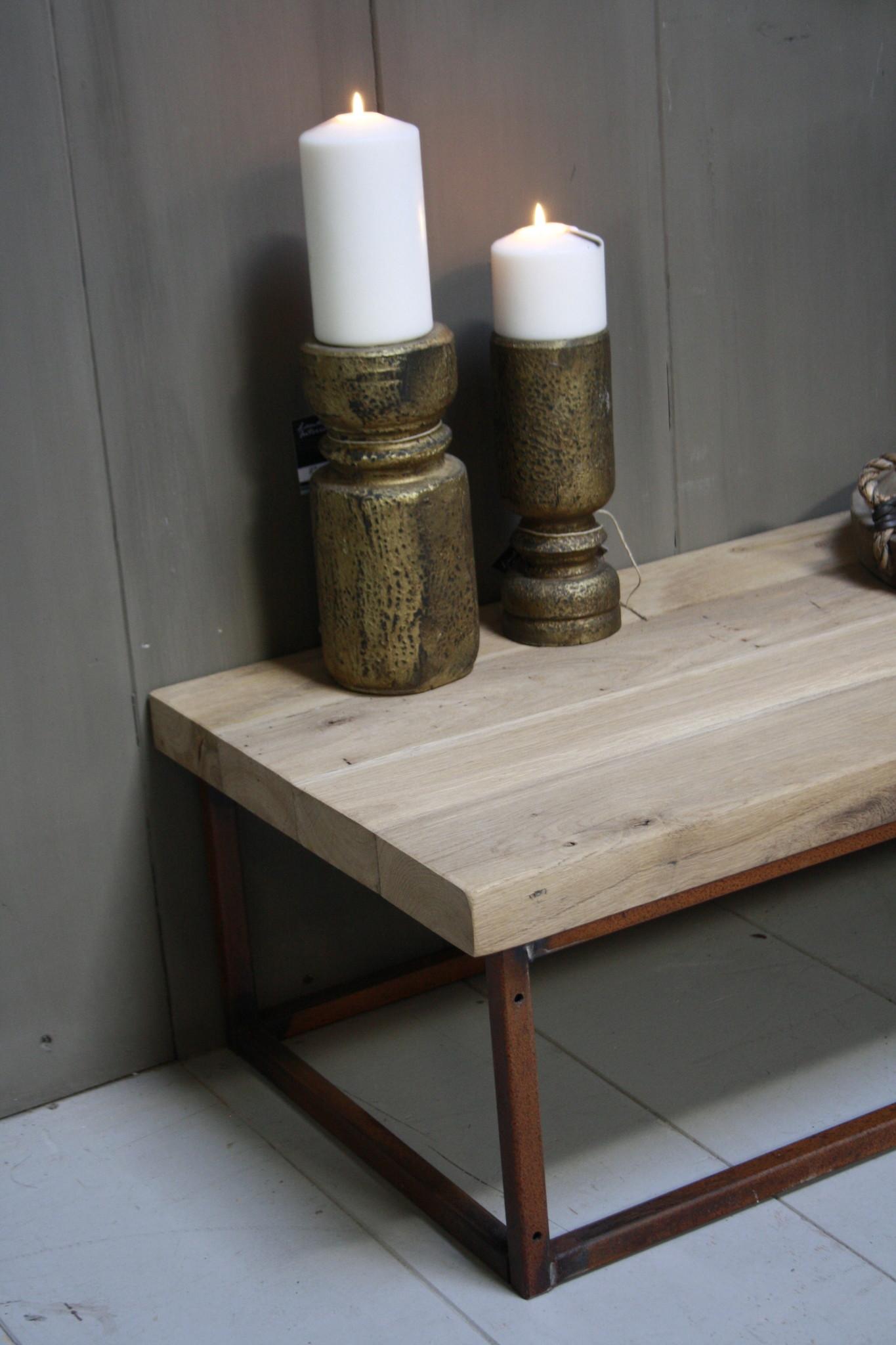 Eikenhouten salontafel met oud ijzeren onderstel 90 cm-4